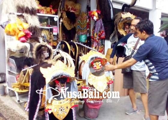 Nusabali.com - liburan-bisnis-jual-dan-jasa-sewa-barong-laris
