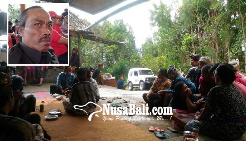 www.nusabali.com-jro-mangku-bawa-jatuh-pingsan-saat-ambil-air-minum