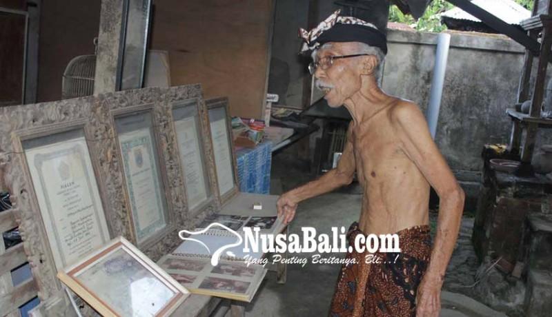 www.nusabali.com-lontar-karya-wayan-mudita-dikoleksi-tiga-kepala-negara