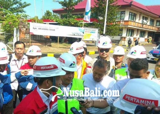 Nusabali.com - wamen-esdm-cek-terminal-bbm-manggis