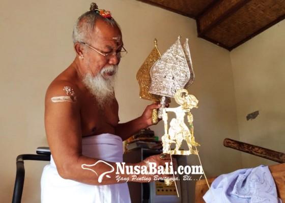 Nusabali.com - koleksi-100-wayang-emas-dari-majapahit-dan-6-tapel-gajah-mada