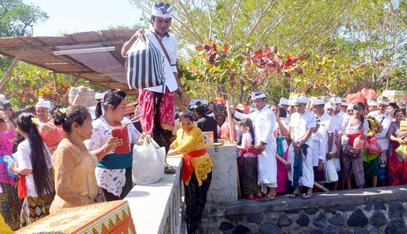 www.nusabali.com-pujawali-di-pura-sakenan