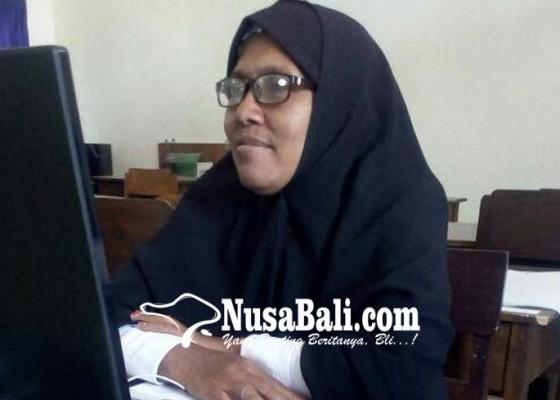 Nusabali.com - 14-tahun-mengajar-di-4-sekolah-tanpa-imbalan