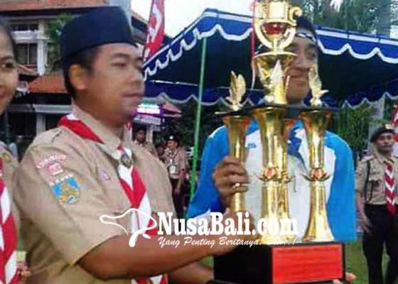 Nusabali.com - smpn-1-amlapura-dan-manggis-boyong-piala-gubernur
