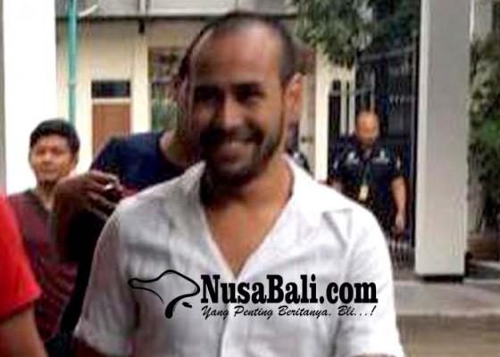 Nusabali.com - teman-nyabu-jedun-merasa-janggal