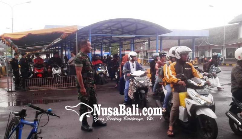 www.nusabali.com-arus-mudik-di-padangbai-mulai-ramai