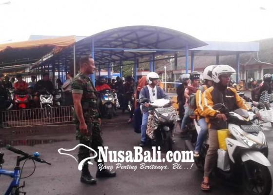 Nusabali.com - arus-mudik-di-padangbai-mulai-ramai