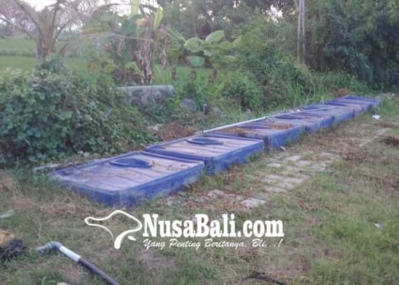 Nusabali.com - toilet-eks-pengungsi-terbengkalai