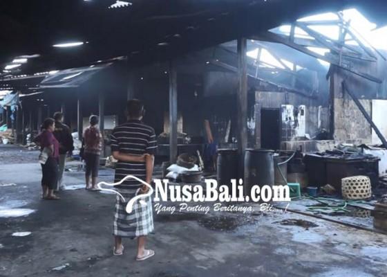 Nusabali.com - pemindangan-di-kusamba-terbakar