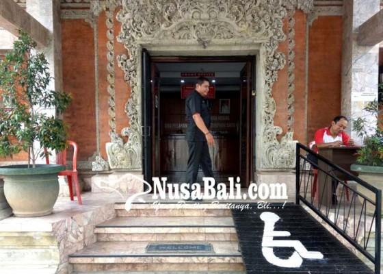 Nusabali.com - layanan-di-dinas-perizinan-tabanan-tetap-buka