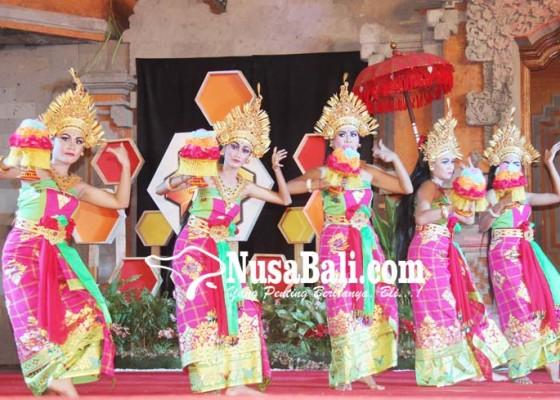 Nusabali.com - siswa-slb-tampil-memukau-di-bee