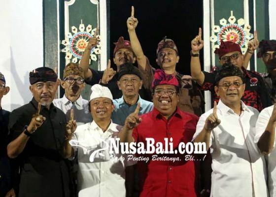Nusabali.com - pesemetonan-puri-se-buleleng-doakan-kemenangan-koster-ace