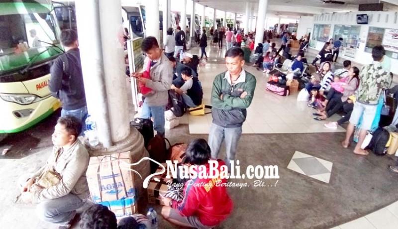 www.nusabali.com-pemudik-dari-terminal-mengwi-capai-20574-orang