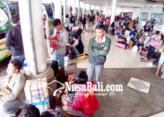 Nusabali.com - pemudik-dari-terminal-mengwi-capai-20574-orang