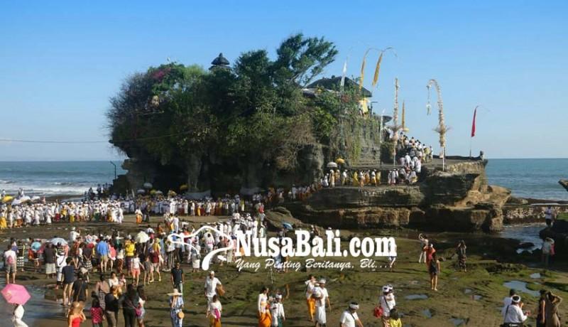 www.nusabali.com-pujawali-di-pura-tanah-lot-bius-wisatawan