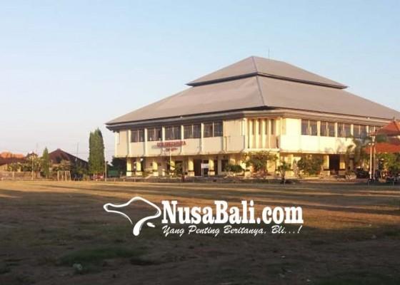 Nusabali.com - perbaikan-gor-swecapura-sekitar-rp-500-juta