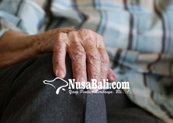 Nusabali.com - pemberian-santunan-untuk-lansia-tinggal-tunggu-verifikasi-data