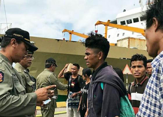 Nusabali.com - pemeriksaan-duktang-arus-balik-di-pelabuhan-benoa