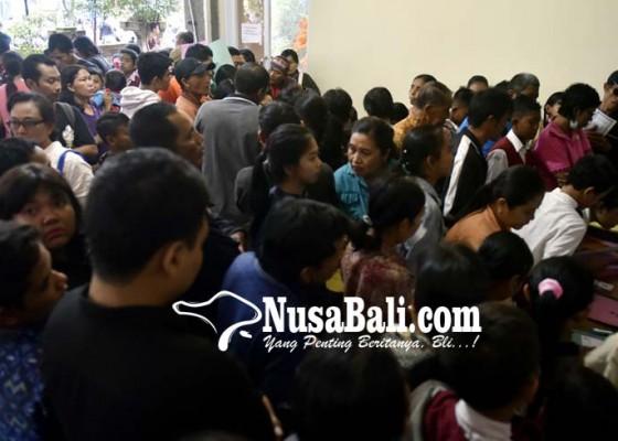 Nusabali.com - ortu-siswa-kelimpungan-lengkapi-persyaratan