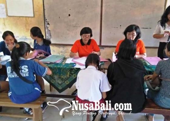 Nusabali.com - pendaftar-smp-membludak-di-hari-pertama-ppdb