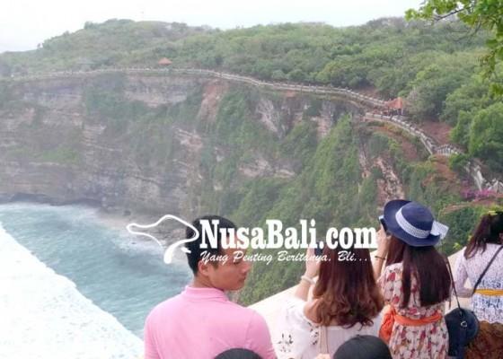Nusabali.com - kunjungan-wisatawan-di-uluwatu-meningkat
