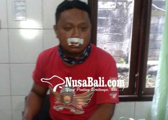 Nusabali.com - motor-pemudik-hantam-deker-dua-korban-luka