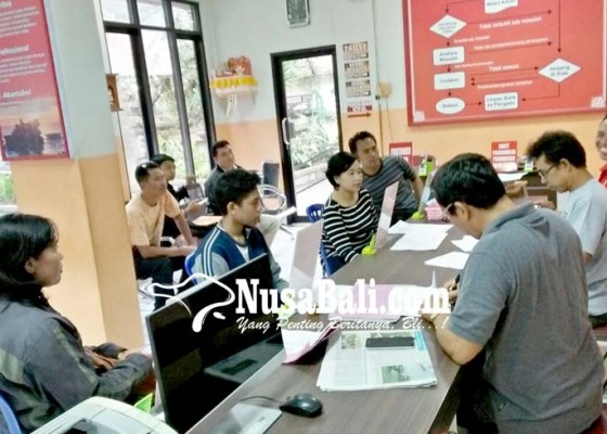 Nusabali.com - ppdb-legalisir-kk-ramaikan-disdukcapil