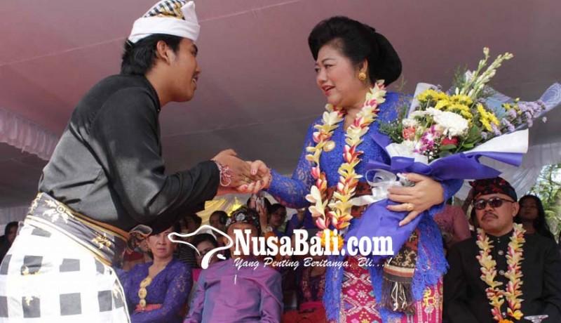 www.nusabali.com-bupati-hadirkan-beragam-atraksi-seni