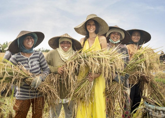 Nusabali.com - melali-ke-desa-one-fine-day-village-adventure-a-moment-of-family-bonding