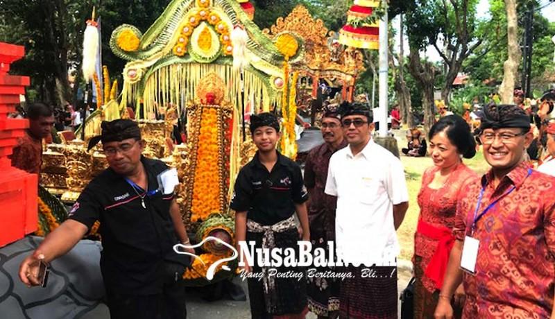 www.nusabali.com-327-seniman-denpasar-ikuti-pawai-pembukaan-pkb-ke-40