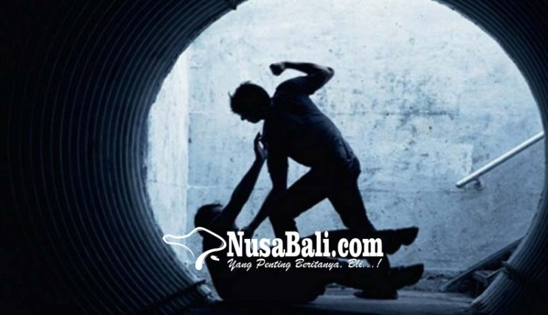 www.nusabali.com-aussie-berulah-pukul-dua-orang-wisdom