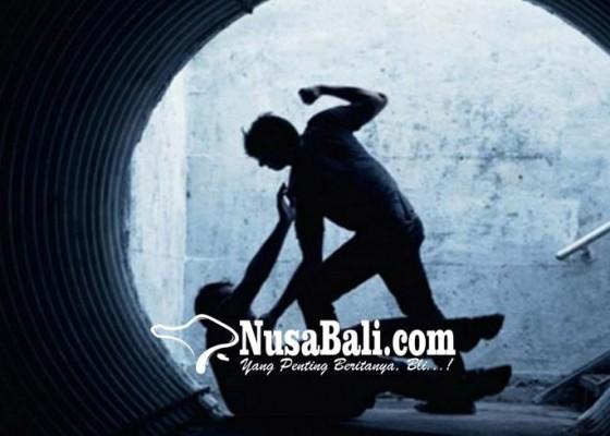 Nusabali.com - aussie-berulah-pukul-dua-orang-wisdom