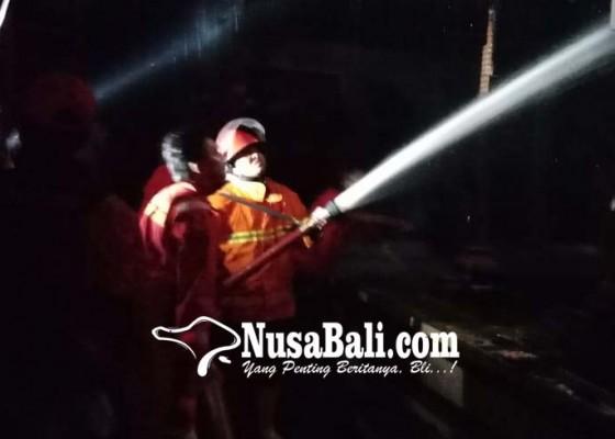 Nusabali.com - gara-gara-dupa-piyasan-dan-balai-dangin-terbakar
