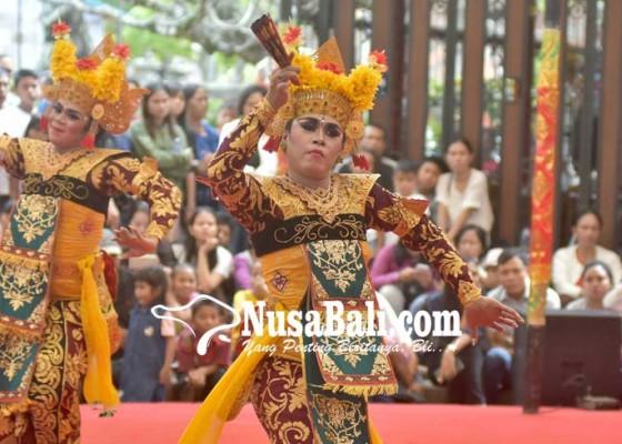 Nusabali.com - legong-muani-ceritakan-api-cemburu-dewi-danu