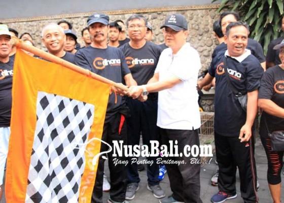Nusabali.com - rai-mantra-lepas-jalan-sehat-banjar-dangin-peken