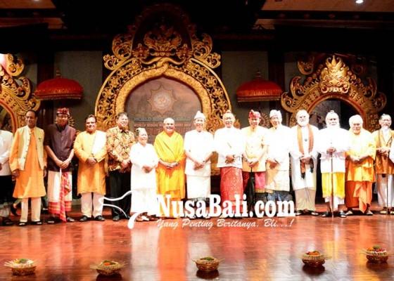 Nusabali.com - penganut-hindu-terus-berkurang
