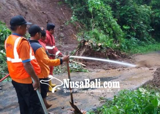 Nusabali.com - longsor-dan-pohon-tumbang-di-getakan