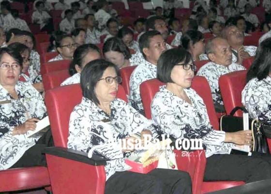 Nusabali.com - tunjangan-sertifikasi-guru-smasmk-tersendat