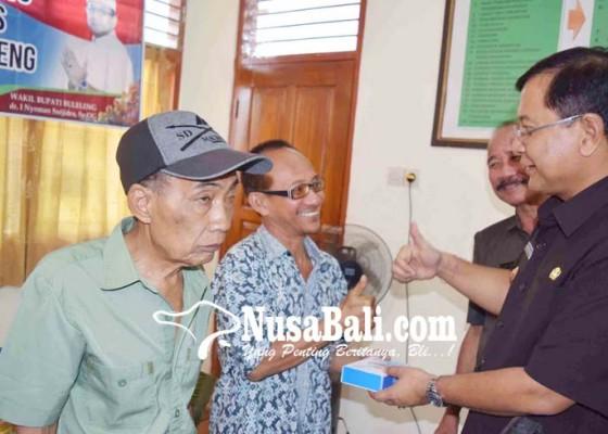 Nusabali.com - puluhan-penyandang-disabilitas-difasilitasi-alat-bantu