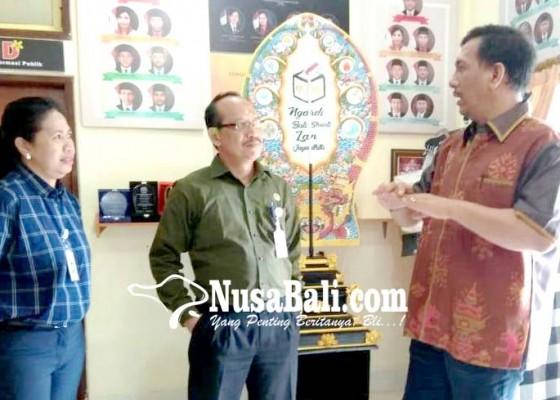 Nusabali.com - tinjau-kpu-pasek-ingatkan-soal-anggaran-pilgub