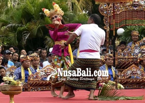 Nusabali.com - usai-coblosan-dihibur-joged