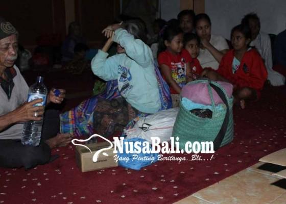 Nusabali.com - 1104-pengungsi-gunung-agung-tersebar-di-16-titik-pengungsian