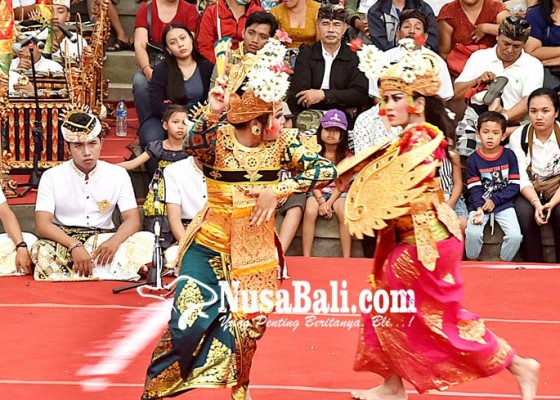 Nusabali.com - tabuh-dan-legong-khas-banjar-binoh-tampil-di-pkb