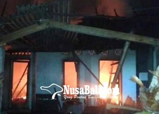 Nusabali.com - konsleting-listrik-gudang-batik-terbakar