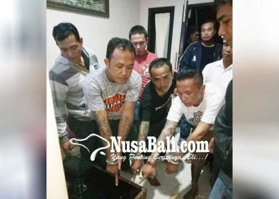 Nusabali.com - pesta-shabu-tiga-pria-digerebek