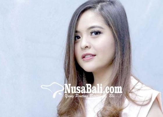Nusabali.com - cincin-tunangan-tasya-kamila-rp-185-juta