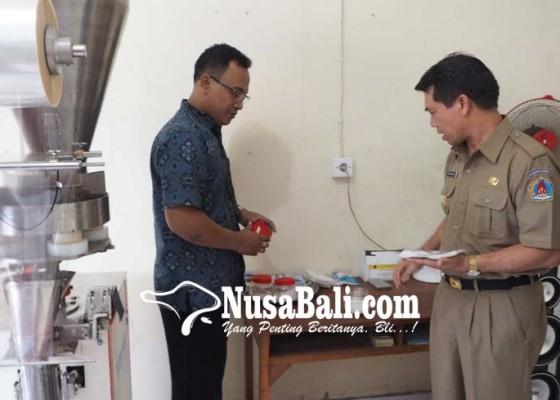 Nusabali.com - pengolahan-garam-beryodium-terkendala-mesin-pengering-dan-pencacah