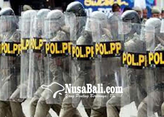 Nusabali.com - kedapatan-ngemis-anak-punk-diciduk-satpol-pp