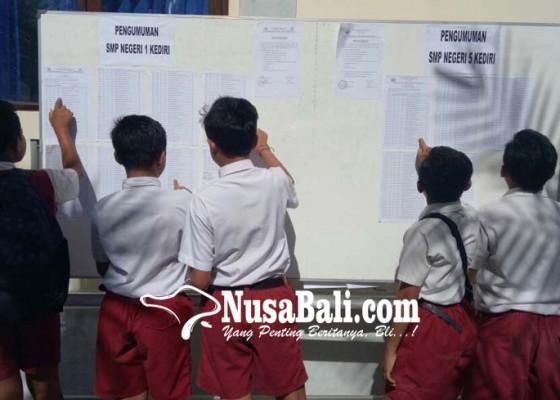 Nusabali.com - bangku-belajar-smpn-baru-belum-siap