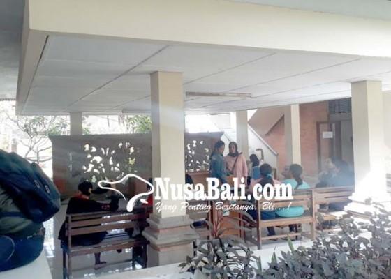 Nusabali.com - pengumuman-ppdb-jalur-zonasi-molor-orangtua-sempat-kesal